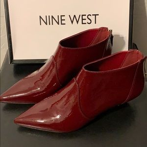 Nine West Yaakovah Wine Booties